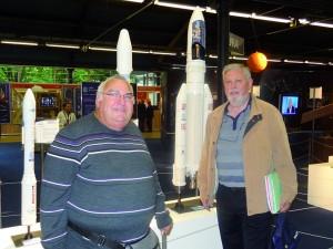 Deux passionnés d'astrophilatélie : Alain Lentin et Luc Delmon...